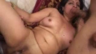 इंडियन बेब में एक थ्रीसम गड़बड़
