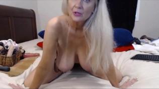 बड़े स्तन गोरा परिपक्व हस्तमैथुन