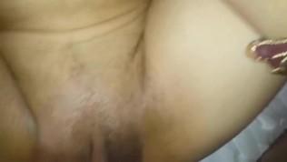 युवा पत्नी के साथ गर्म सेक्स