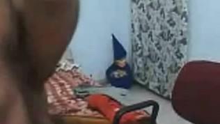 भारतीय युगल एक कैम पर अपने सेक्स को रिकॉर्ड करता है